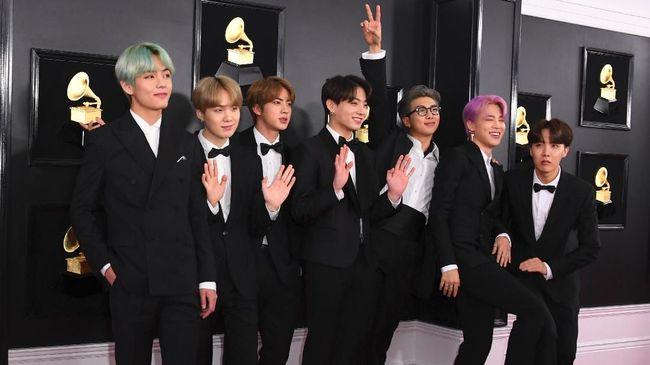 Album 'Map of the Soul: Persona' BTS menempati posisi pertama Billboard 200. Itu adalah capaian ketiga bagi BTS dalam kurun waktu kurang dari satu tahun.