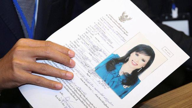 Komisi pemilu Thailand mempertimbangkan pencalonan Putri Ubolratana menjadi perdana menteri usai Raja Maha Vajiralongkorn menentang rencana kakaknya tersebut.