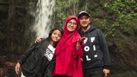 """<p><a href=""""https://news.detik.com/berita/d-4420604/yusuf-mansur-saya-tak-mau-jika-ada-berkata-jelek-tentang-prabowo-sandi?_ga=2.259490570.1822979178.1549724035-654698882.1548468357"""" target=""""_blank"""">Yusuf Mansur</a> juga senang mengajak keluarganya pergi ke wisata alam. Kali ini bersama istri dan Kun.</p>"""
