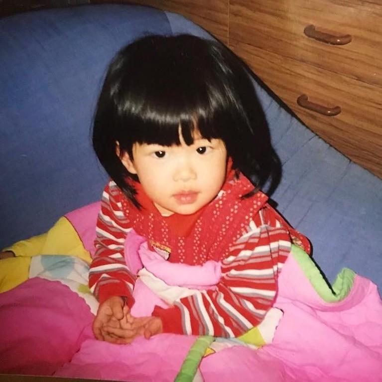 Potret Rose BLACKPINK saat masih kecil, terlihat menggemaskan, bukan?