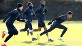 Manchester United bakal berduel lawan PSG di Liga Champions. Berikut foto-foto persiapan kedua tim jelang laga tersebut.