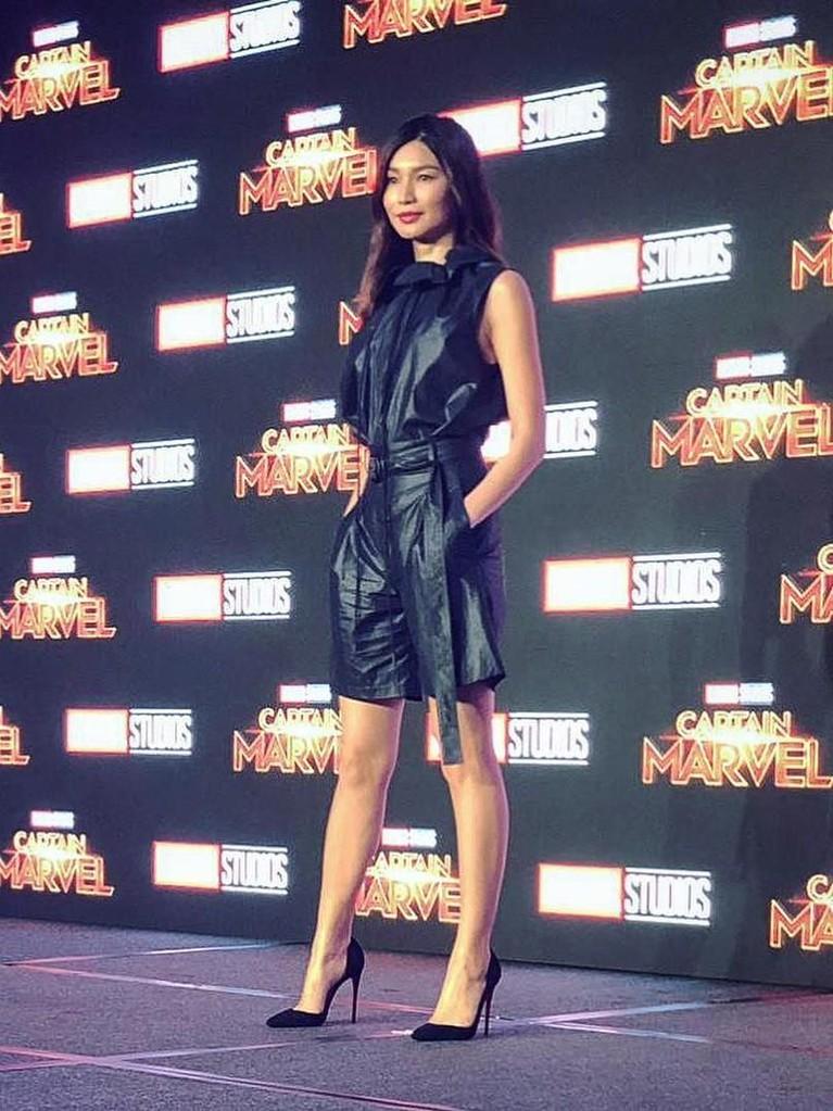 Penampilan Gemma Chan yang juga ikut menghadiri jumpa pers Captain Marvel. Gemma sendiri akan berperan sebagai Minn-Erva dalam film ini.