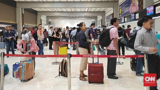Menteri Perhubungan Budi Karya Sumadi akan menghapus kebijakan diskon tarif pesawat LCC bila evaluasi pemerintah melihat ada ketidakefektifan.