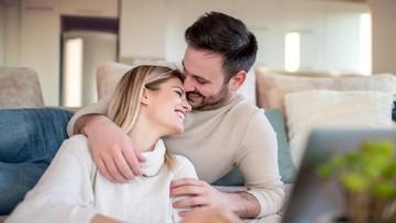 Menarik untuk Dicoba, 9 Tips Bercinta Tanpa Berisik