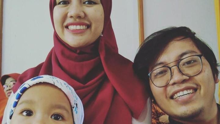 <p>Bos Bukalapak Achmad Zacky, diketahui menikah dengan CEO Hijup, Diajeng Lestari. Mereka dikaruniai dua orang anak, Laiqa Anzani (5) dan Noura Salima (1). (Foto: Instagram @achmadzaky)</p>