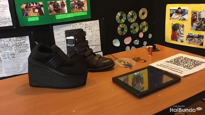 <p>Ini juga enggak kalah keren nih, Bun. Mereka juga mendesain sepatu yang canggih dan futuristik.</p>