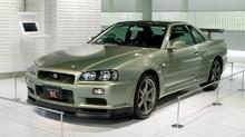 Nissan Tutup Usia Sedan di Jepang, Skyline di Ujung Tanduk