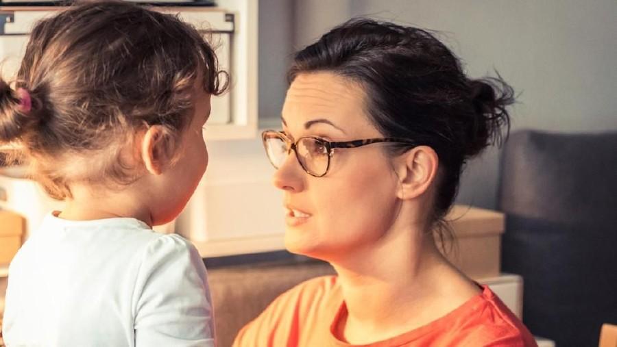 5 Hal Ini Sering Diabaikan Orang Tua Saat Beri Aturan ke Anak