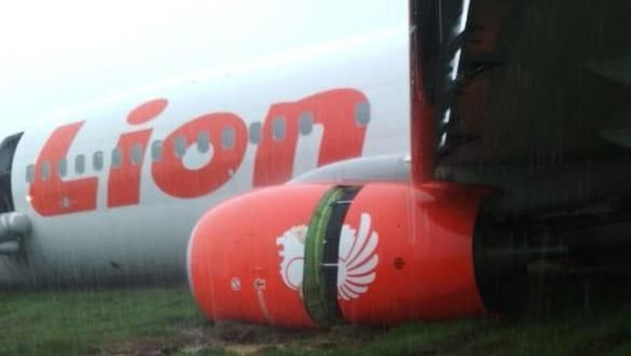 Breaking News! Pesawat Lion Air Tergelincir di Pontianak
