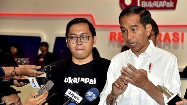 Presiden Jokowi menjawab kritik CEO Bukalapak Achmad Zaky terkait anggaran riset. Menurut Jokowi, anggaran senilai Rp26 triliun cukup besar untuk riset.