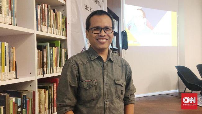 Salah satu novel karya Eka Kurniawan, Seperti Dendam, Rindu Harus Dibayar Tuntas, bakal diangkat menjadi film dan dijadwalkan tayang pada 2021.