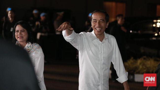 Jokowi menyebut tak adanya kebakaran hutan dan lahan selama tiga tahun terakhir merupakan keberhasilan seluruh elemen masyarakat.