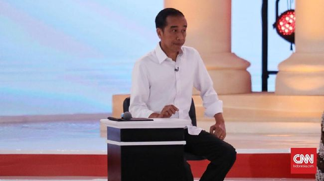 Calon Presiden Jokowi memamerkan kesuksesannya dalam membubarkan Petral dalam debat calon presiden kedua yang dilaksanakan Minggu (17/2)