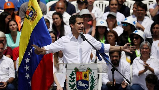 Pemimpin oposisi Venezuela, Juan Guaido (35) mengajak masyarakat demo besar-besaran pada 1 Mei mendatang untuk mendesak Presiden Nicolas Maduro turun.