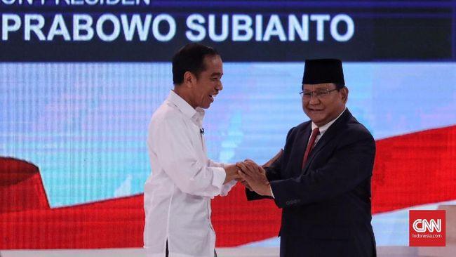Andi Arief menilai, dengan hasil imbang ini, dalam sepak bola semestinya juara bertahan akan panik.
