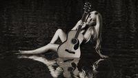 Avril Lavigne Berkisah Soal Bangkit Usai Sekarat Di Album 'head Above Water'