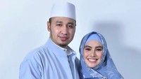 <p>Kartika Putri juga memutuskan untuk menikah di luar negeri. Kartika resmi diperistri Usman Bin Yahya di Tanah Suci pada Agustustus 2018. (Foto: Instagram @kartikaputriworld)</p>