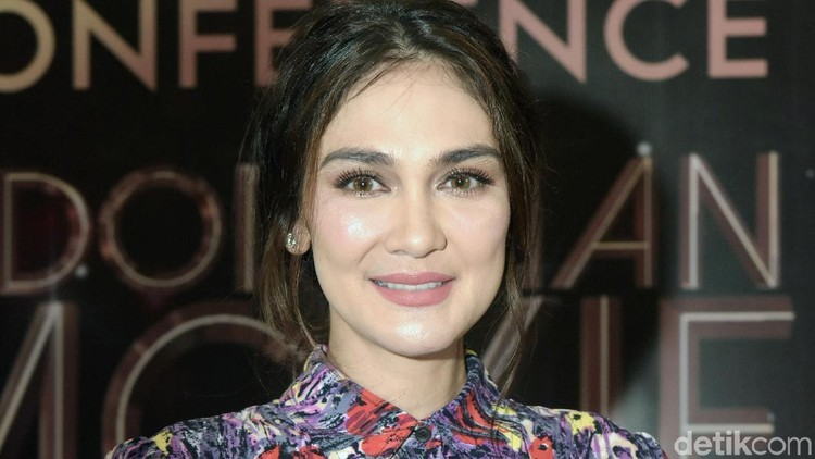 Luna Maya menjadi aktris terfavorit dalam ajang Indonesia Movie Actor Award 2019. Dia lantas menyampaikan pesan inspiratif untuk para wanita. Simak yuk, Bun.