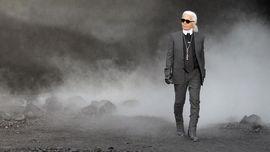 Karl Lagerfeld, Desainer Legendaris yang Alergi Sandal Jepit