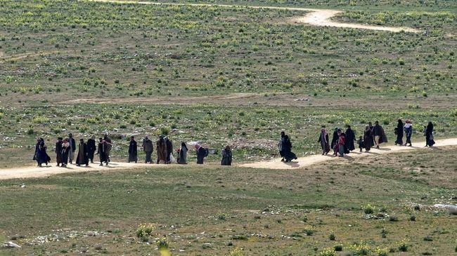 Nasib ratusan WNI mantan simpatisan ISIS saat ini terkatung di kamp pengungsian Suriah, sementara pemerintah menyatakan menolak kepulangan mereka.