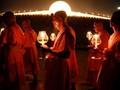 FOTO: Berkas Cahaya dari Makha Bucha