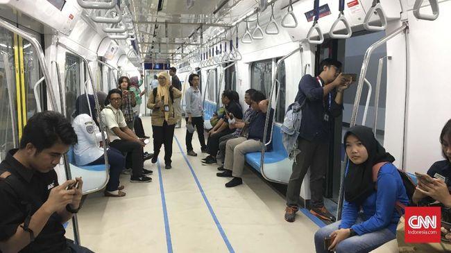 Masyarakat menganggap tarif MRT Jakarta yang rata-rata sebesar Rp8.500 dianggap sudah cukup terjangkau, meski tak membuat beralih menggunakan transportasi baru.