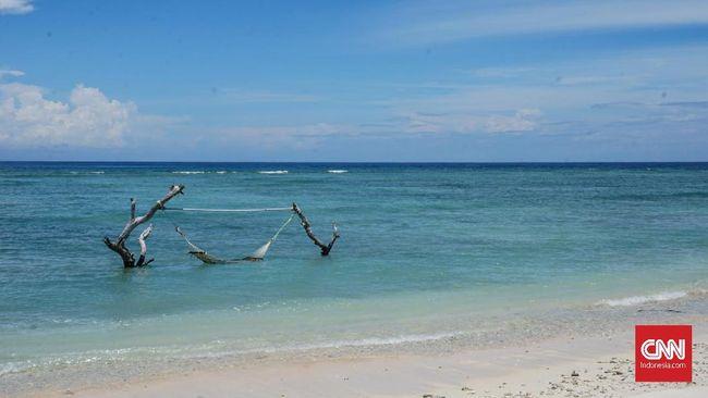 Sebanyak 1.316 karyawan dari 17 hotel di Kabupaten Lombok, NTB dirumahkan karena okupansi hotel turun akibat virus corona.