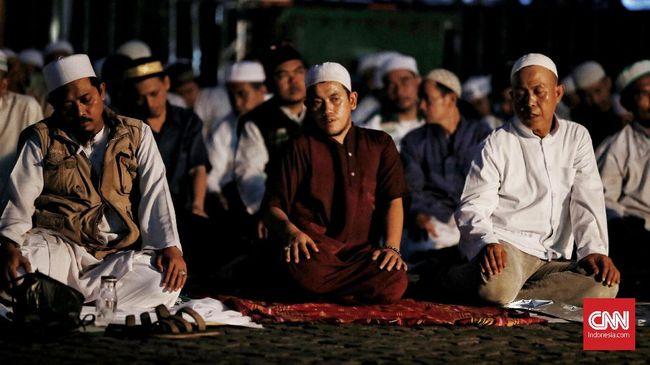 Imam besar FPI Rizieq Shihab menyuarakan tentang ketidakadilan dalam politik, penegakan hukum, hingga penistaan agama di malam munajat 212.