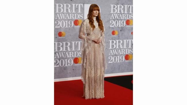 Ajang Brit Awards 2019 ternyata membuat beberapa selebriti ternyata punya ide lain dalam berbusana, 'lain' dalam arti 'ajaib' dan mungkin 'buruk.'