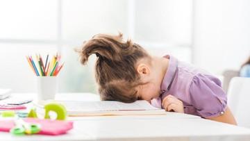 Penyebab dan Cara Mengatasi Anak Ogah Mengerjakan PR