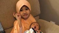 <p>Starla kini juga punya adik laki-laki bernama Faithlee As-sya'ir Virgoun. Kakak Starla akur-akur sama si dedek bayi ya. (Foto: Instagram/mommy_starla)</p>