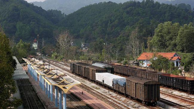 Salah satu stasiun kereta api Vietnam dekat perbatasan dengan China disterilkan aparat keamanan menjelang kedatangan Pemimpin Tertinggi Korut, Kim Jong-un.