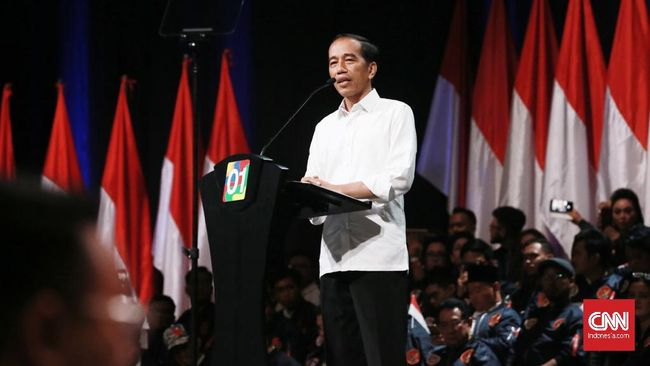 Calon presiden Joko Widodo mengaku akan memperkuat Program Keluarga Harapan (PKH) dengan program sembako murah.
