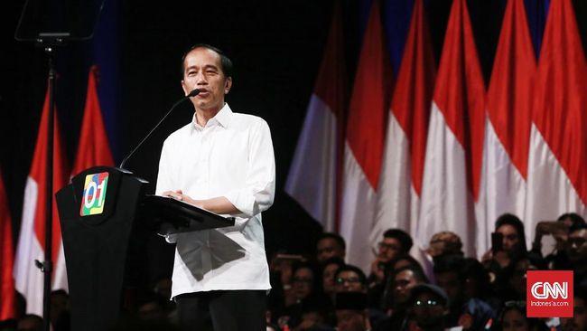Jokowi menyebut lahan yang dijanjikan untuk dikembalikan ke negara itu nantinya akan dia bagikan untuk rakyat kecil.