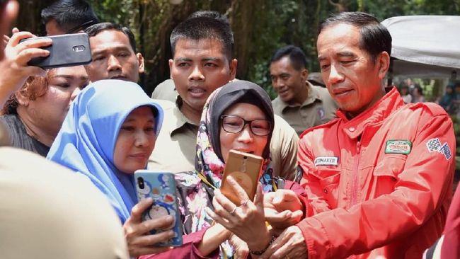 Jokowi mengungkap peran penting perempuan untuk keluarga, bangsa dan negara.