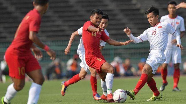 Sehari jelang pertandingan melawan Timnas Indonesia U-23, timnas Vietnam justru membatalkan sesi latihan pada Sabtu (23/3) sore.