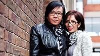 <p>Menikah lebih dari 20 tahun, kemesraan pasangan ini tetap membara. So swet! (Foto: Instagram/ @ari_lasso)</p>