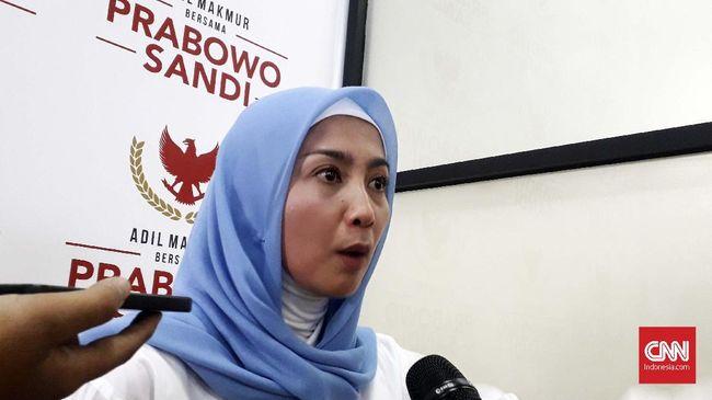 Dessy Ratnasari menuding Jokowi tak jujur lantaran mengklaim program keluarga harapan (PKH) sebagai prestasi pemerintahannya, padahal ada campur tangan DPR.