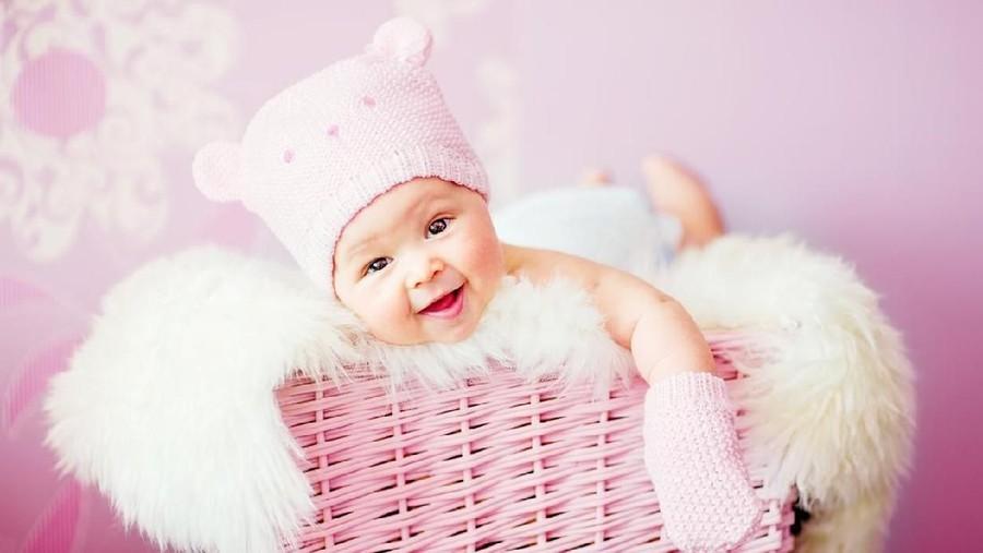 20 Nama Bayi Perempuan Berawalan F yang Berarti Sukses
