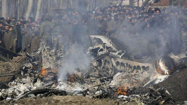 AU India keliru mengidentifikasi dan menembak helikopter sendiri saat bertikai dengan Pakistan di wilayah Kashmir pada Februari lalu.