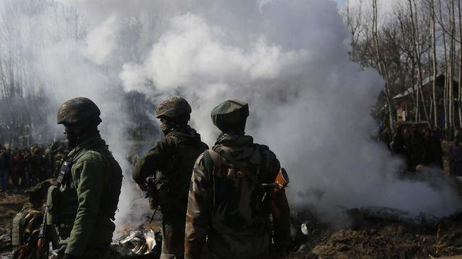 Pedemo Tewas Saat Aksi Tolak Status Otonomi Kashmir Dicabut