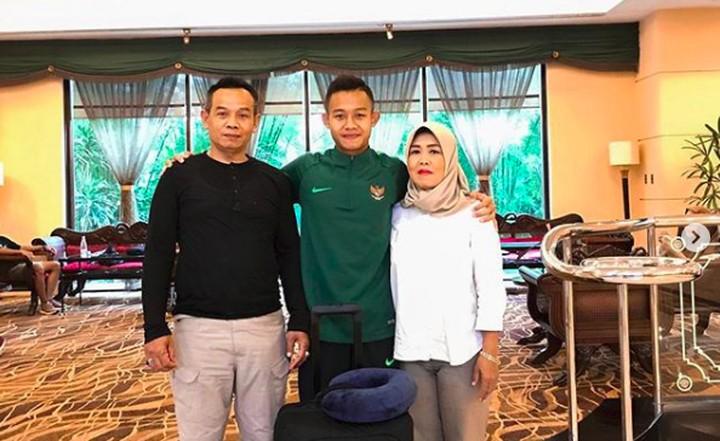 Sani Rizki Fauzi, salah satu pencetak gol dalam Piala AFF U-22 merupakan anak yang sangat berbakti pada orang tuanya, terutama sang ibu.