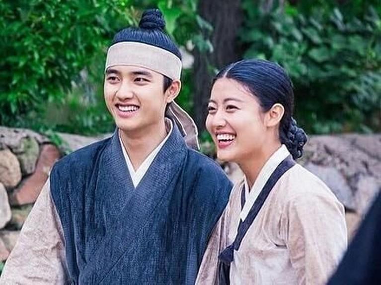 D.O EXO & Nam Ji-hyun dipercaya menjadi pemeran utama dalam serial drama 100 Days My Prince. Keduanya pun kerap terlibat dalam adegan-adegan mesra.