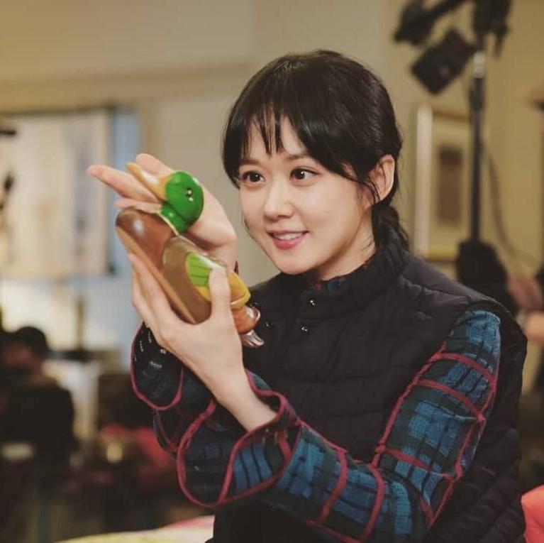 Jang Na-Ra juga pernah bermain dalam beberapa drama seri Korea, sepertiYou Are My Destiny.