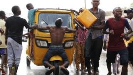 FOTO: Aksi Pendukung Petahana Usai Menang Pemilu Nigeria