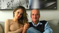 """<p>Kalau dilihat-lihat, wajah Cinta mirip dengan Papa Michael kan? Saking dekatnya hubungan mereka, Cinta mengatakan kalau sang papa adalah """"Man in my life"""". (Foto: Instagram @claurakiehl)</p>"""