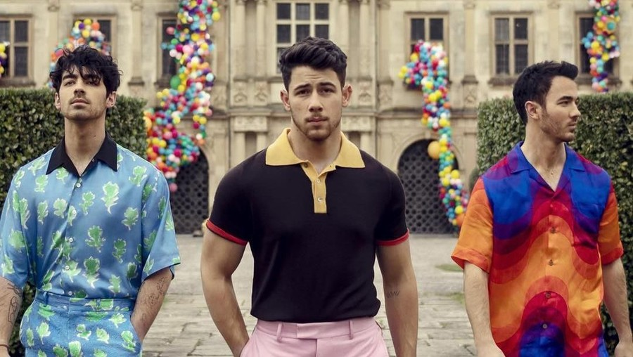Lirik Lagu Sucker - Jonas Brother