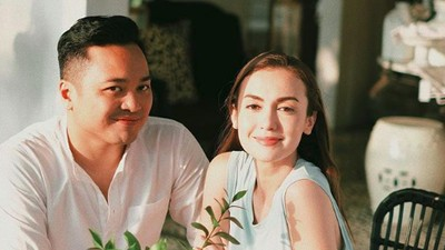 Kemesraan 10 Pasangan Selebritas yang Lama Menanti Buah Hati