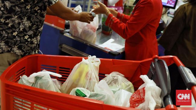Jepang terhitung lambat dalam menerapkan kantong plastik barbayar, sebab negara ini baru mengumumkan menerapkan kebijakan itu pada April tahun depan.