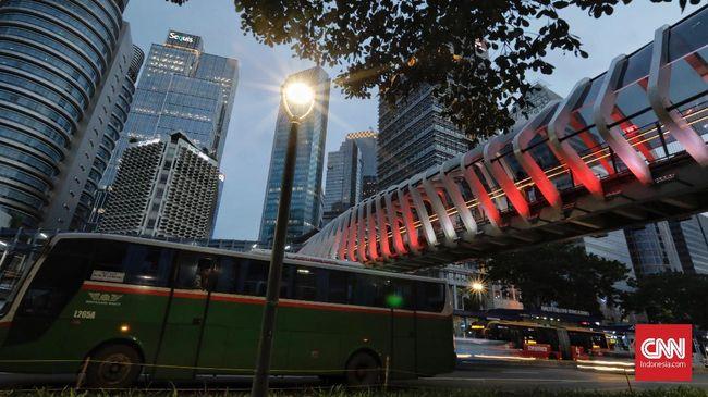 Sebanyak 8 JPO dan beberapa titik jalan protokol di Jakarta menyalakan lampu bernuansa bendera Palestina sebagai bentuk simpati.